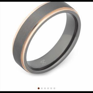 Men's wedding ring size 8